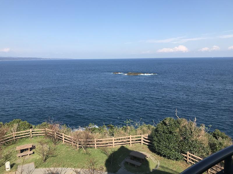 樫野埼灯台から見た海の写真